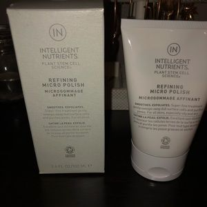 Intelligent Nutrients face exfoliant